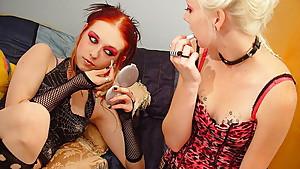 Liz Vicous And Avril Lavigne lesbian sex
